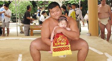 住吉神社  赤ちゃんの土俵入り